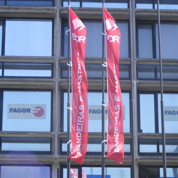 bdr-bandeiras-e-mastros-publicitaria-impressa