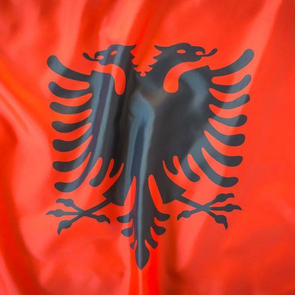 paises-albania-bdr-bandeiras-e-mastros