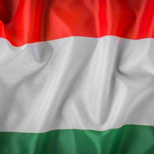 paises-hungria-bdr-bandeiras-e-mastros