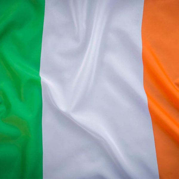 paises-irlanda-bdr-bandeiras-e-mastros