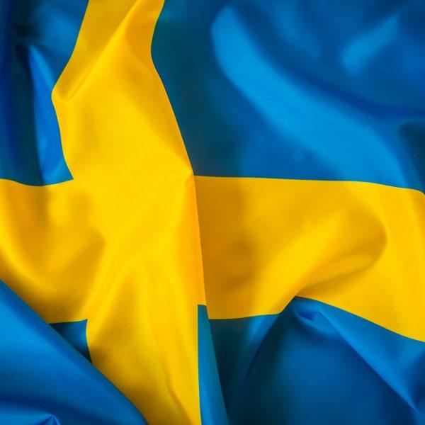 paises-suecia-bdr-bandeiras-e-mastros