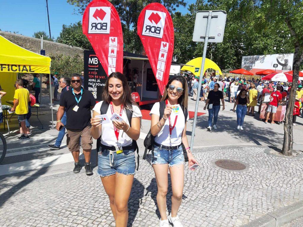 volta a portugal em bicicleta santander bdr ativaçao marca bandeiras