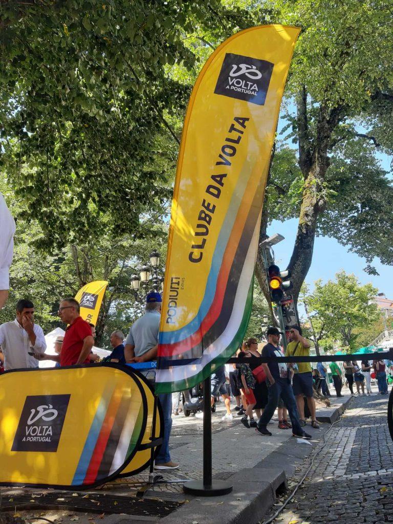 volta a portugal em bicicleta santander bdr bandeiras e mastros clube da volta