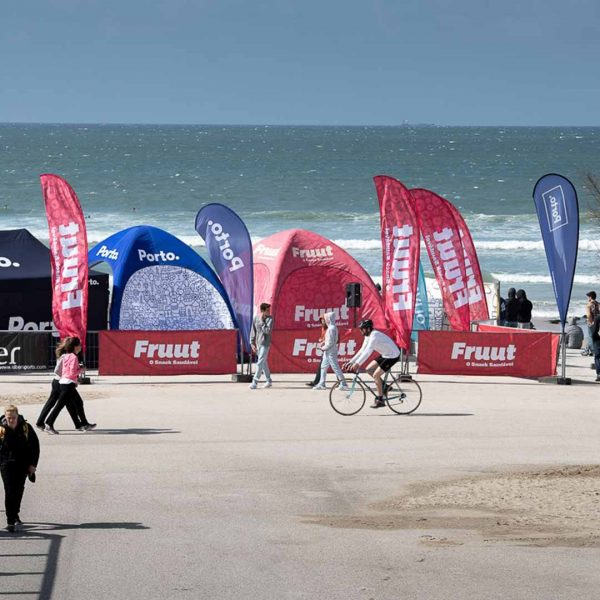 bdr-bandeiras-e-mastros-fruut-beachflag