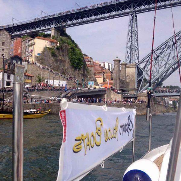 bdr-bandeiras-e-mastros-yellow-boats-porto-comunicacao